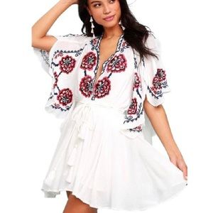 🌷NWT FREE PEOPLE WHITE FLORAL TUNIC 🌷